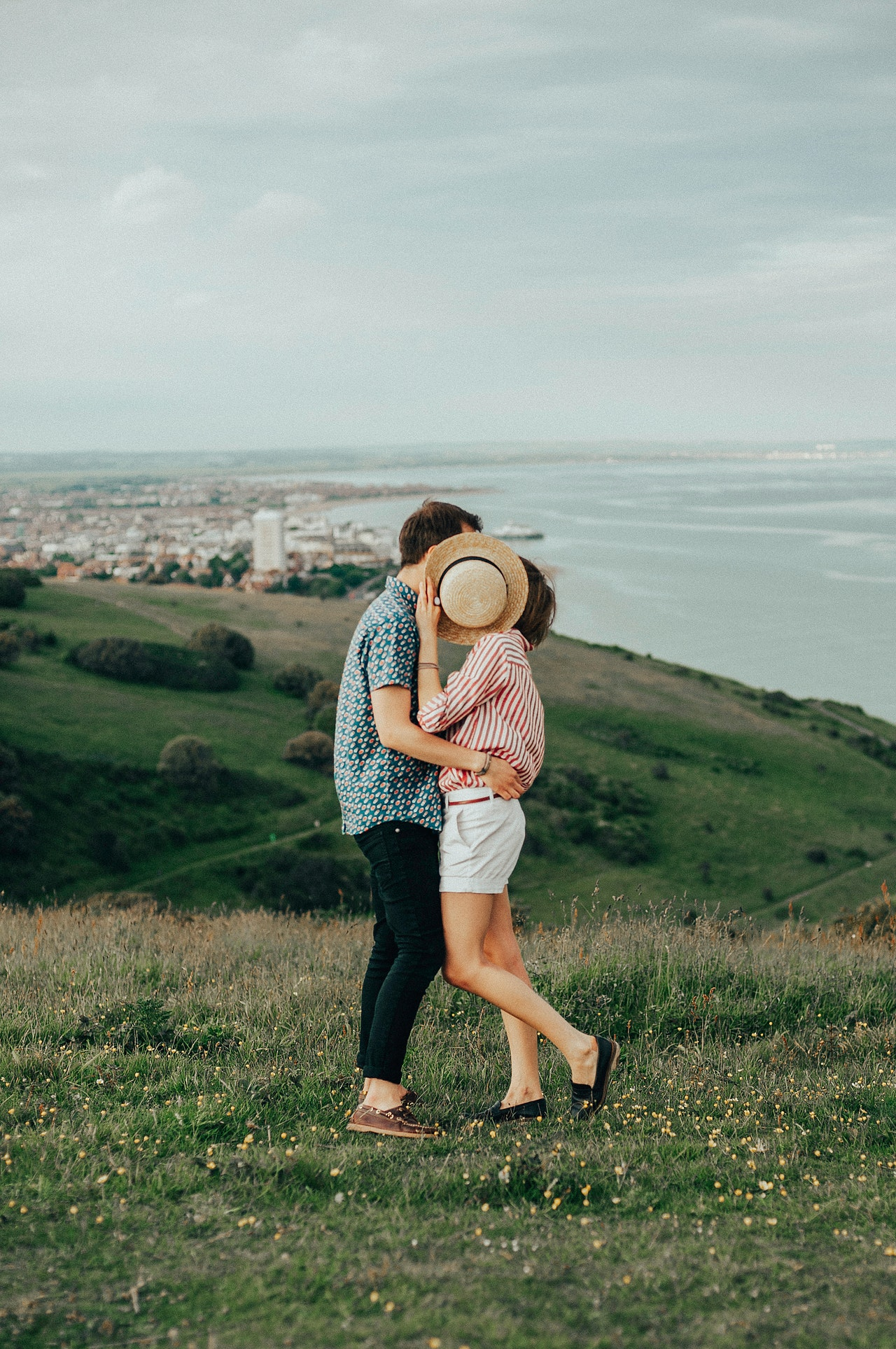 Quick Guide to Dating Without Breaking the Bank as a Young Woman